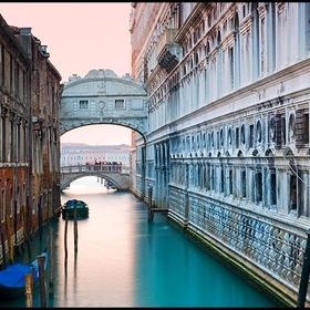 See the Bridge of Sighs, Venice - Bucket List Ideas