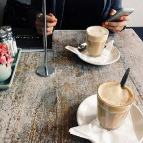 Have a conversation with a random person in a coffee place - Bucket List Ideas