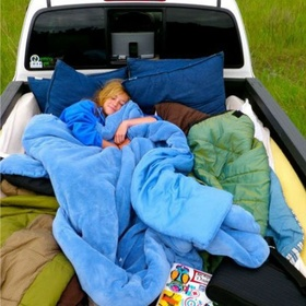 Drive into the country side, fill a pick up truck with pillows and blankets and star gaze - Bucket List Ideas