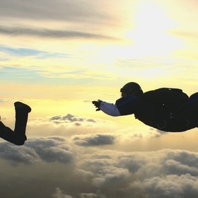 Go Sky Diving - Bucket List Ideas