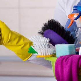 Make a cleaning schedule & stick to it - Bucket List Ideas