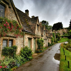 Visit the Cotswolds in England - Bucket List Ideas