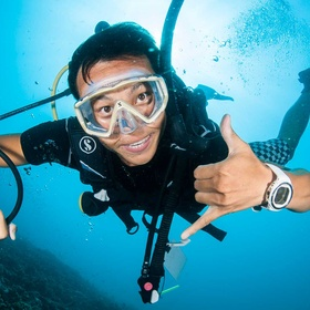 Learn how to scuba dive - Bucket List Ideas