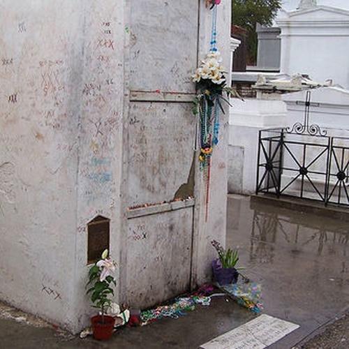 Visit Marie Laveau's Tomb - Bucket List Ideas