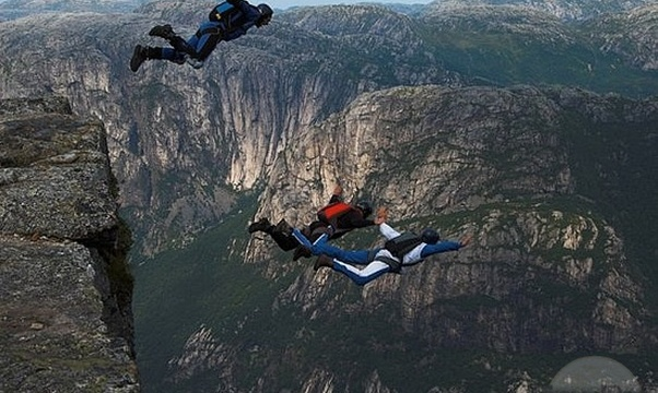 Go Base jumping - Bucket List Ideas