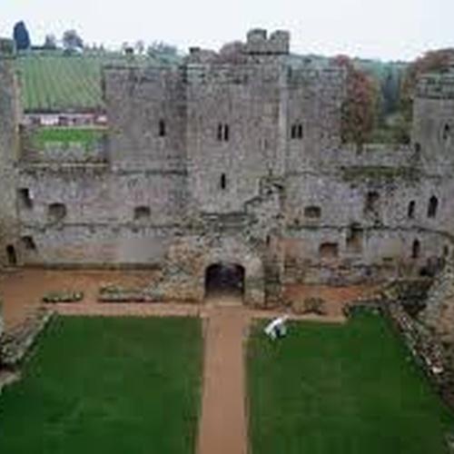 Visit Bodiam Castle ~England - Bucket List Ideas