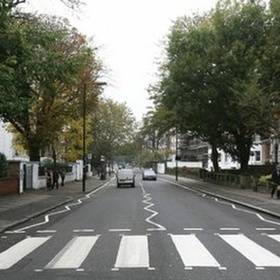 Cross the intersection at Abbey Road, England - Bucket List Ideas