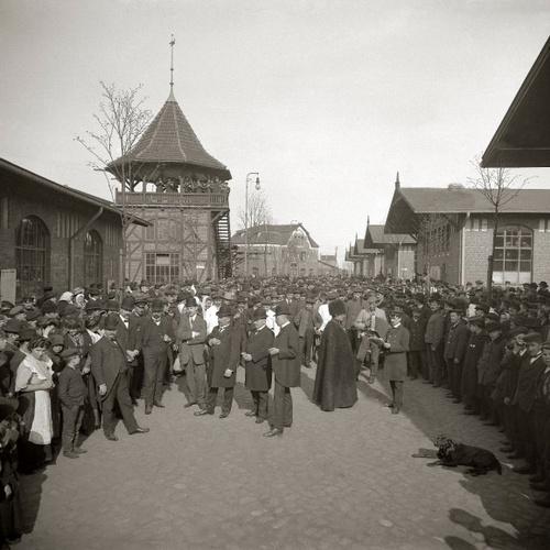 Visit the BallinStadt Emigration Museum - Bucket List Ideas