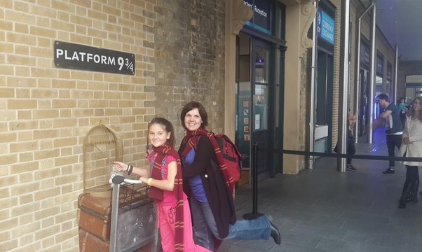 Have my photo taken at Platform 9 3/4 - Bucket List Ideas