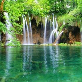 Visit plitvice lakes national park in croatia - Bucket List Ideas