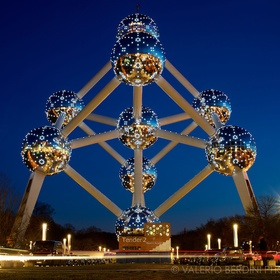 Visit the Atomium in Brussels - Bucket List Ideas