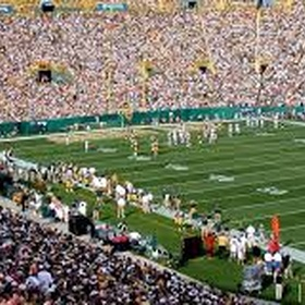 Go to a Green Bay packers home game - Bucket List Ideas