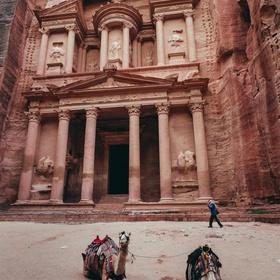 Visit Petra, Jordan - Bucket List Ideas