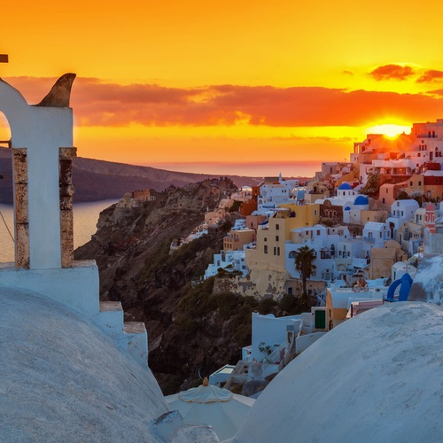 Get Inspired in Oia, Santorini, Greece - Bucket List Ideas