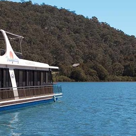 Live on a houseboat on the Hawkesbury - Bucket List Ideas
