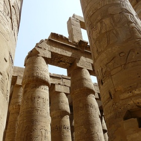 Walk arround in the temple of Karnak, Egypt - Bucket List Ideas