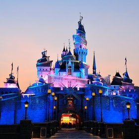 Visit Hong Kong Disneyland - Bucket List Ideas