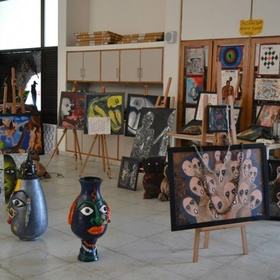Go to a visual arts exhibition - Bucket List Ideas