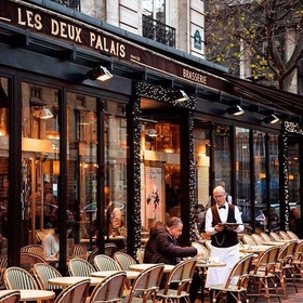 Go to a café in Paris, France - Bucket List Ideas