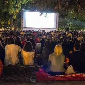 Go to an outdoor cinema - Bucket List Ideas