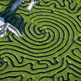 Walk through a hedge maze - Bucket List Ideas