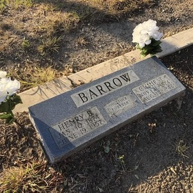 See Bonnie and Clyde's grave stones in Dallas, Texas - Bucket List Ideas