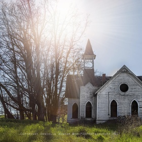 Visit Abandoned Old Grass Valley Methodist Church, Oregon - Bucket List Ideas