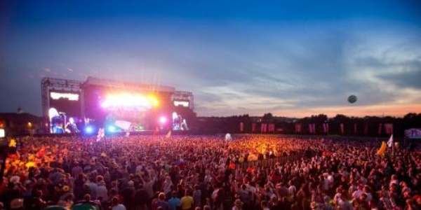 Attend a music festival - Bucket List Ideas