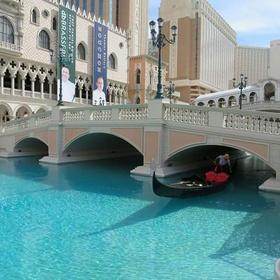Spend Christmas in Las Vegas - Bucket List Ideas
