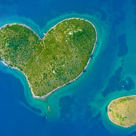 Visit 5  islands - Bucket List Ideas