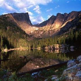 Visit the Rocky Mountains and Estes Park - Bucket List Ideas