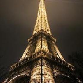Kiss on Top of the Eiffel Tower - Bucket List Ideas