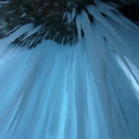 Explore an ice castle - Bucket List Ideas