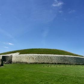 Visit Newgrange In Ireland - Bucket List Ideas