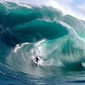 Learn how to surf in hawaii - Bucket List Ideas