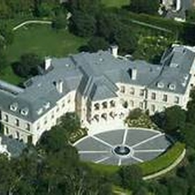 Be invited to the Playboy Mansion - Bucket List Ideas