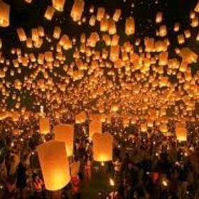 Release a lantern in Thailand - Bucket List Ideas