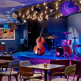 Visit a jazz club in Paris - Bucket List Ideas