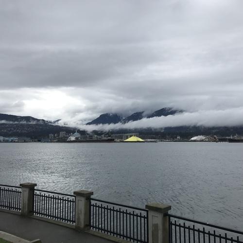 Bike around Stanley Park in Vancouver - Bucket List Ideas