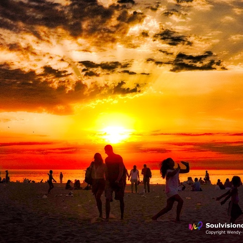 Watch the sunset on the beach - Bucket List Ideas