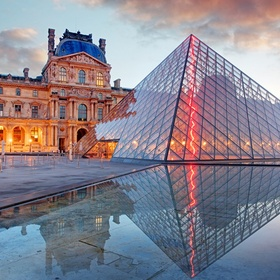 Go to the Louvre and see the Mona Lisa - Bucket List Ideas