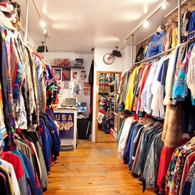 Go to thrift shop in New York - Bucket List Ideas
