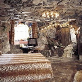 Stay in the cave room @ Madonna Inn- San Luis Obispo, CA - Bucket List Ideas