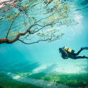 Swim underwater in the Green lake of Austria - Bucket List Ideas