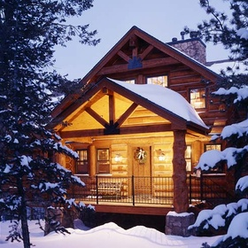 Share Christmas in a Log Cabin With Someone - Bucket List Ideas