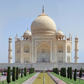 Visit the Taj Mahal in India - Bucket List Ideas