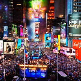 Go to Times Square on New Year's Eve - Bucket List Ideas