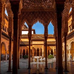 Visit the alhambra palace - Bucket List Ideas