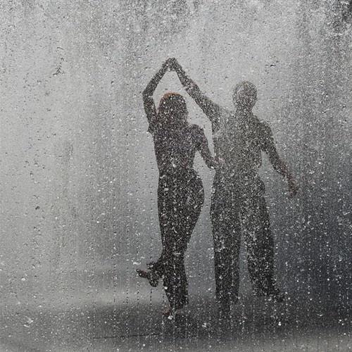 Slow dance in the rain - Bucket List Ideas