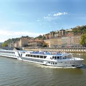 Go on a riverboat cruise - Bucket List Ideas